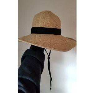 Adventure beach hat